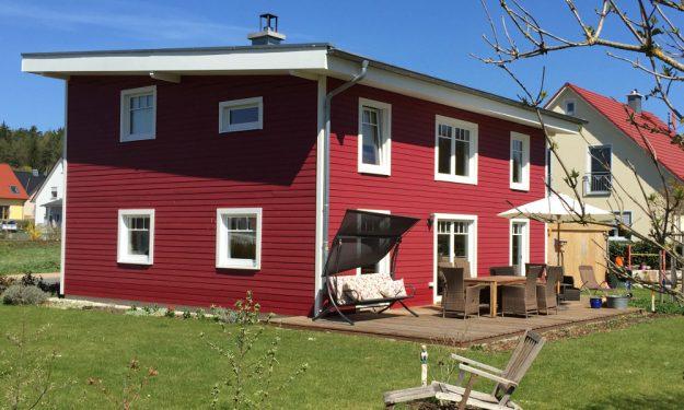 rotes Holzhaus