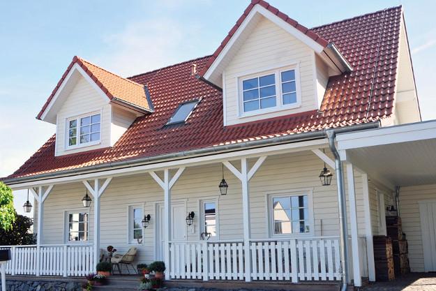 Fjorborg_Holzhäuser_zweigeschossiges-Haus_Haustyp-Stockholm_BV6218_Bonn_Haus-mit-Veranda_01_Internet