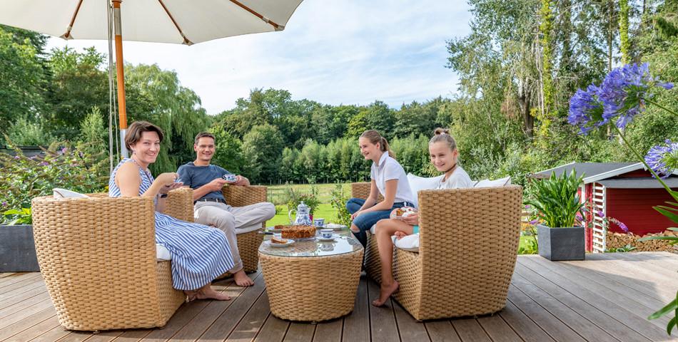 Fjorborg Haeuser - Wohntraum - PLUSenergiehaus - ebenerdiges Holzhaus - Terrasse