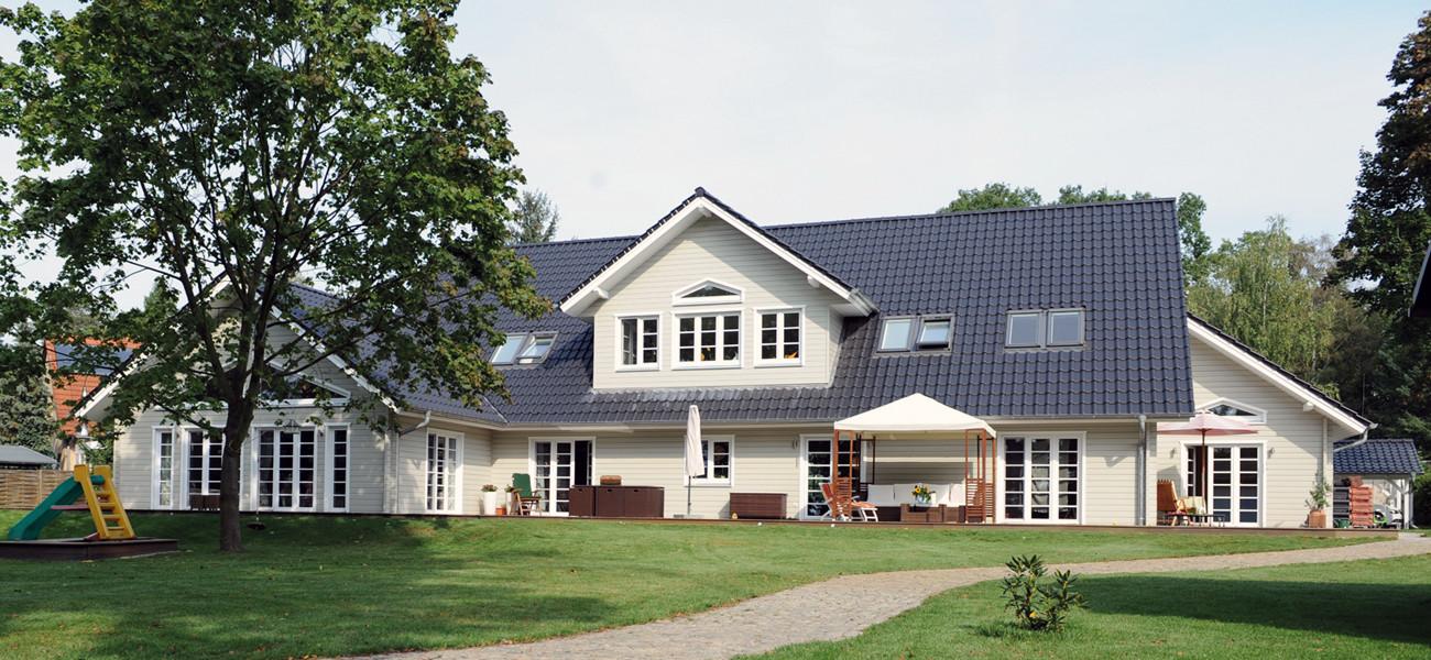 Fjorborg Holzhaeuser - 1,5 geschossiges Holzhaus - Wohntraum Haus am See - Garten - BV5777