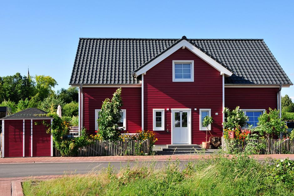 Fjorborg Haeuser - zweigeschossiges Holzhaus - Haustyp Göteborg - Frontalansicht - BV 7006