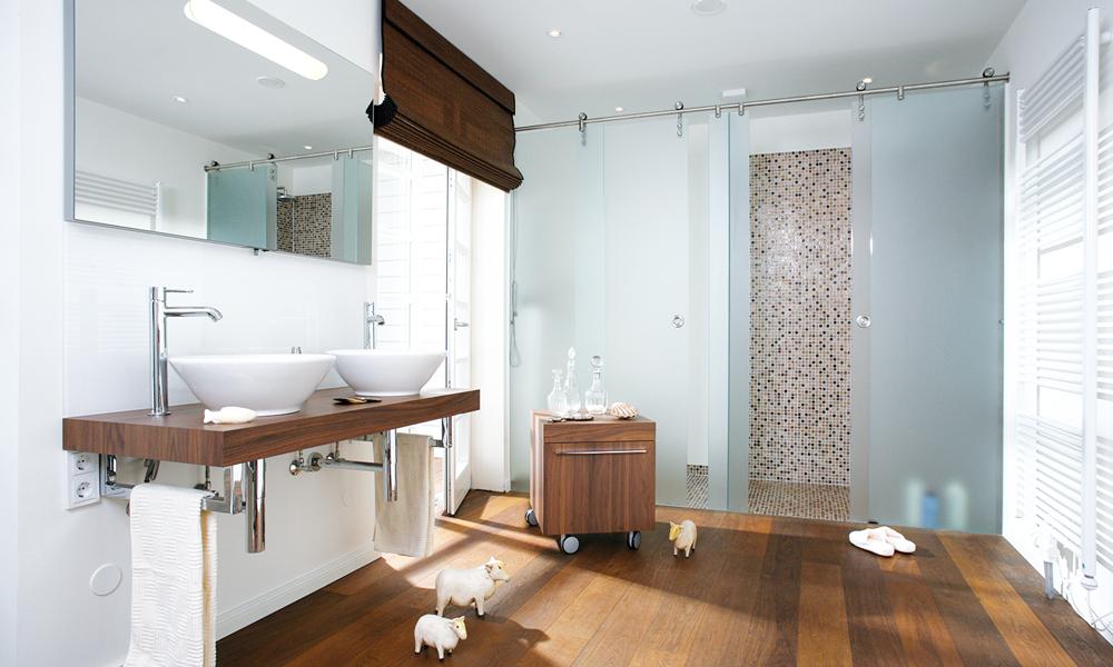 Fjorborg Häuser – zweigeschossiges Holzhaus – Badezimmer – BV3455