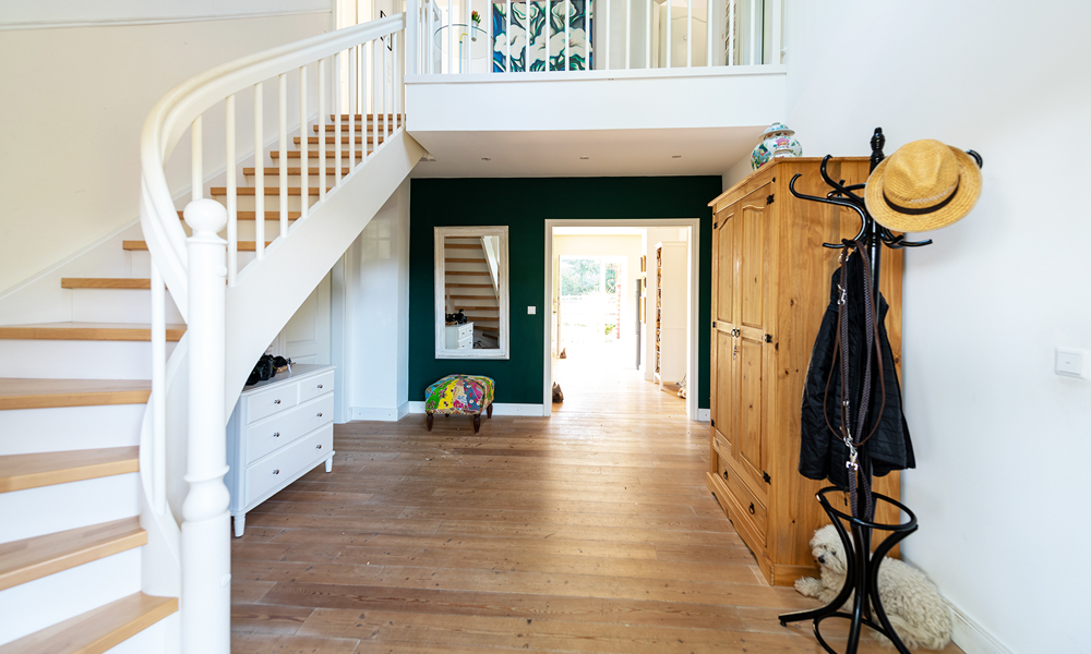 Fjorborg Häuser – zweigeschossiges Holzhaus – großer Eingangsbereich  – BV6638