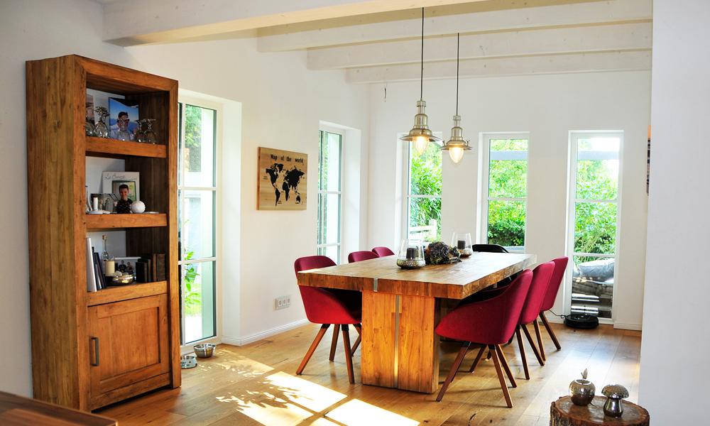 Fjorborg Häuser – zweigeschossiges Holzhaus – Esszimmer – BV5336