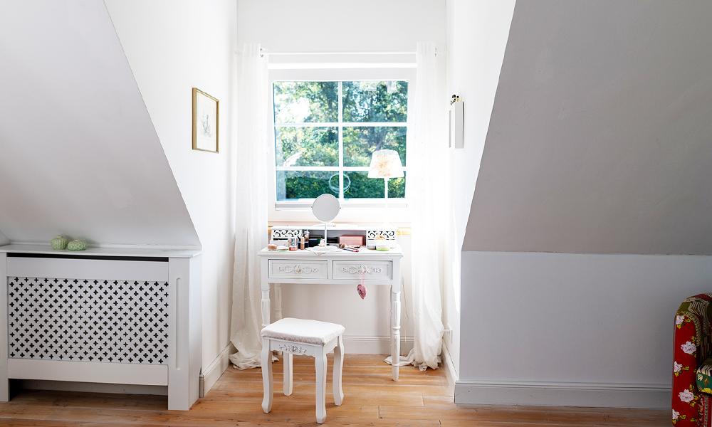 Fjorborg Häuser – zweigeschossiges Holzhaus – Gaube im Schlafzimmer – BV6638