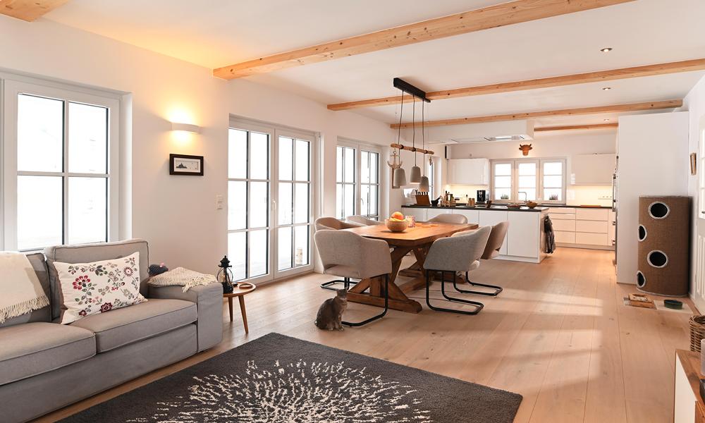 Fjorborg Häuser - zweisgeschossiges Holzhaus - Haustyp Helsingoer - offener Wohnbereich - BV6827