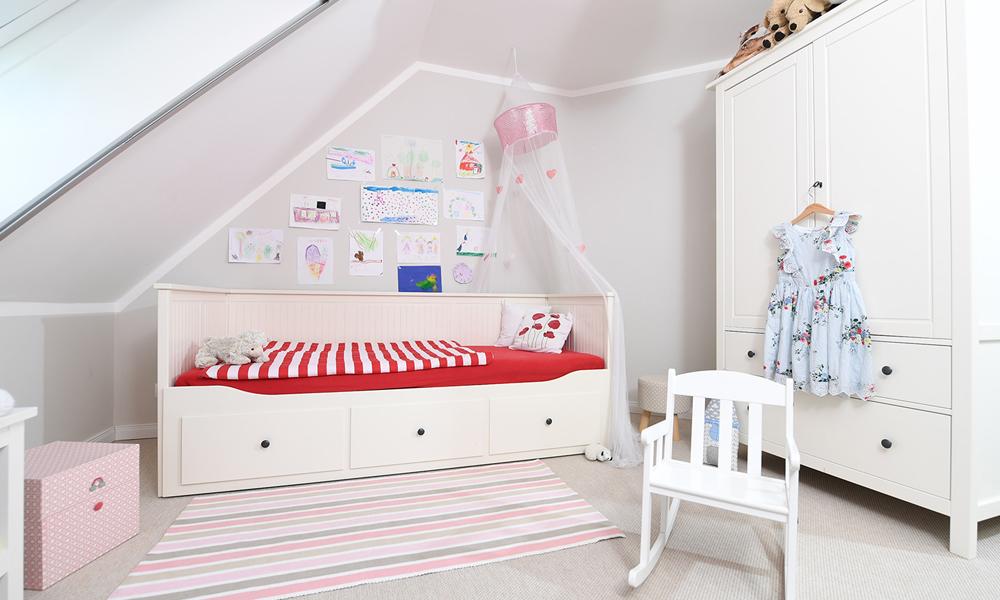 Fjorborg Häuser – zweigeschossiges Holzhaus – Kinderzimmer 1 – BV5777