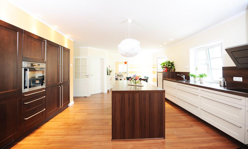 Fjorborg Häuser – zweigeschossiges Holzhaus – Küche – BV5777