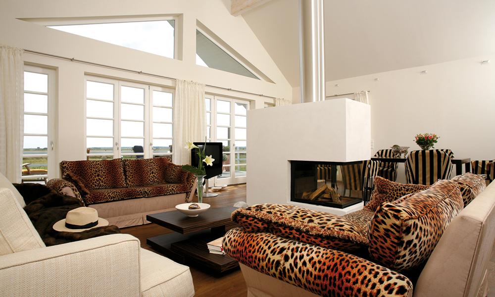 Fjorborg Häuser – zweigeschossiges Holzhaus – Wohnzimmer – BV3455