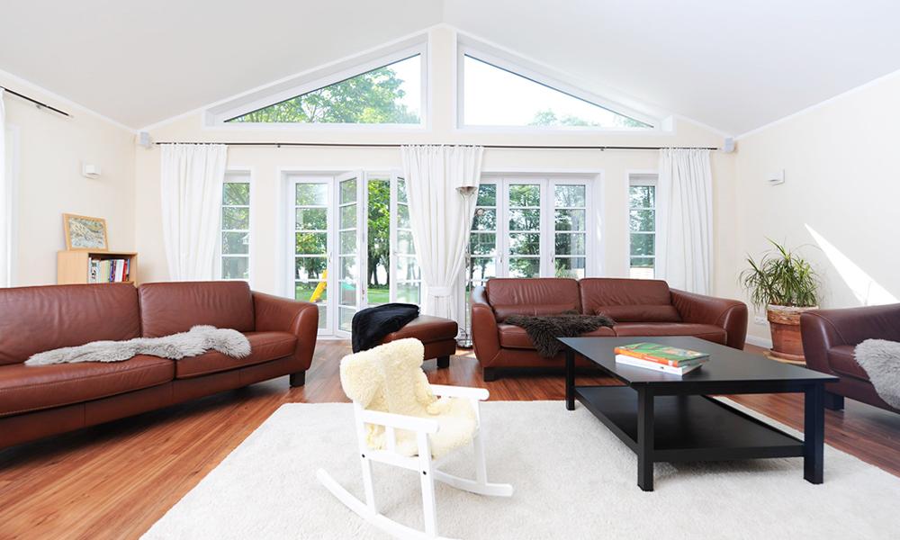 Fjorborg Häuser – zweigeschossiges Holzhaus – Wohnzimmer – BV5777