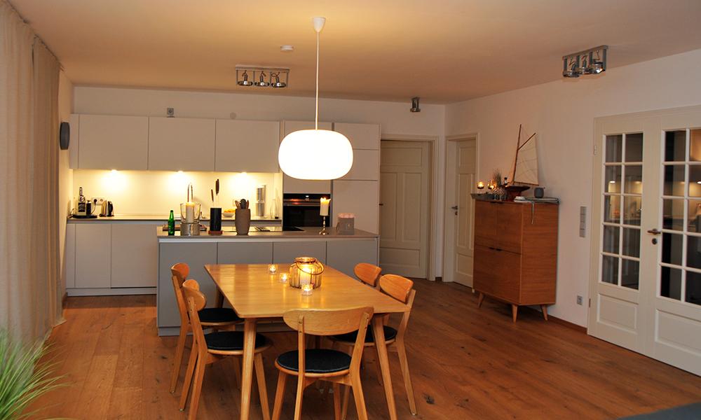 Fjorborg Häuser – ebenerdiges Holzhaus – Eigener Entwurf – offener Wohn-Ess-Küchenbereich - BV7004