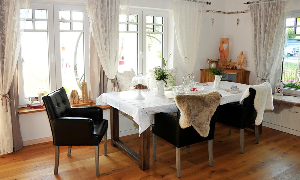 Fjorborg Häuser – ebenerdiges Holzhaus – Haustyp Vejle – Esszimmer – BV6660